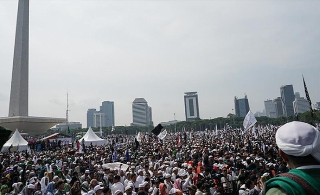 Millions gather for anti-government rally in Jakarta