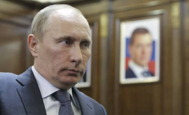 Putin: order and discipline not a sign of Stalinism