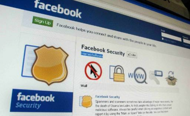 Facebook to move to fewer but bigger ads