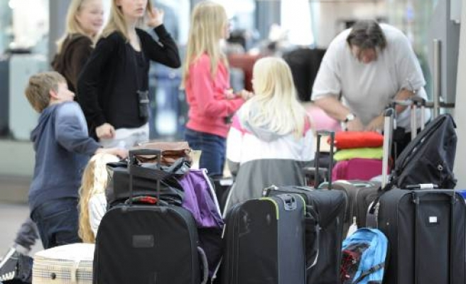 Britain to scrap air travel taxes for children