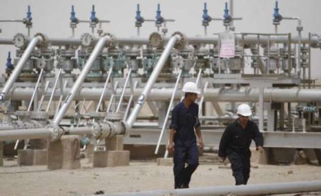 China willing to join Exxon at giant Iraq oilfield