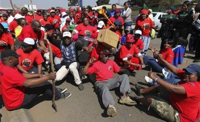 SA miners rally to protest planned job cuts