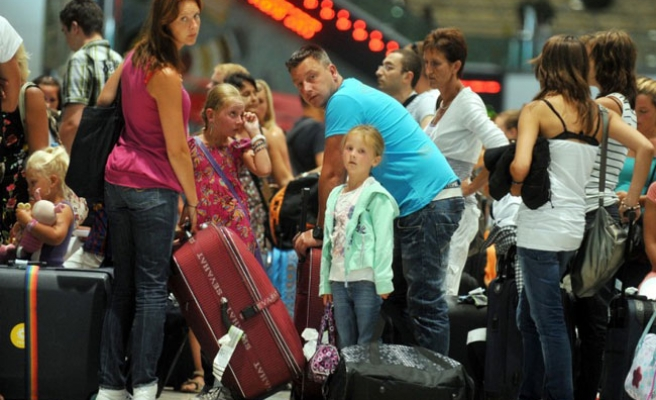 Turkey's tourism income increases 3.8 percent at Q2 of 2012