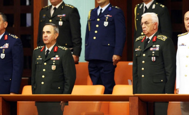 Turkey's military chiefs tender retirement letter