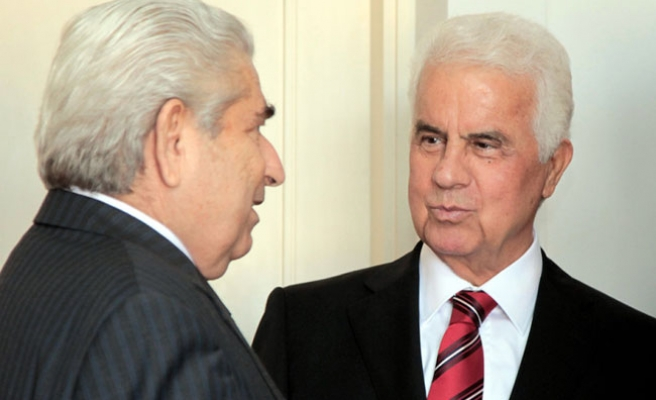 Cypriot leaders continue third intensified talks in buffer zone