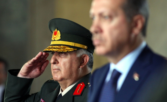 Turkish PM meets army chief after deadly blast