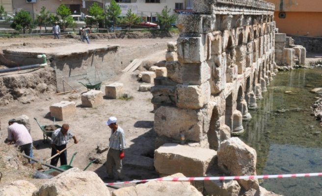Archeologists bring to daylight first thermal treatment center of Anatolia