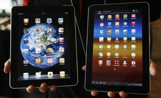 Apple blocks Samsung from selling Galaxy tablet in EU