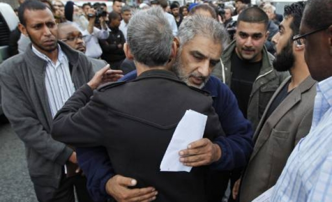 Muslim father too late to save dying son in UK riots