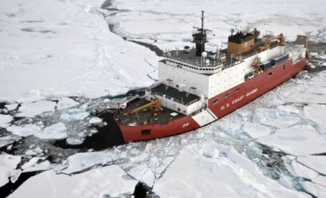 U.S. military adapting new strategy for Arctic