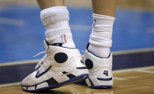 Ankle braces may help teen basketball players