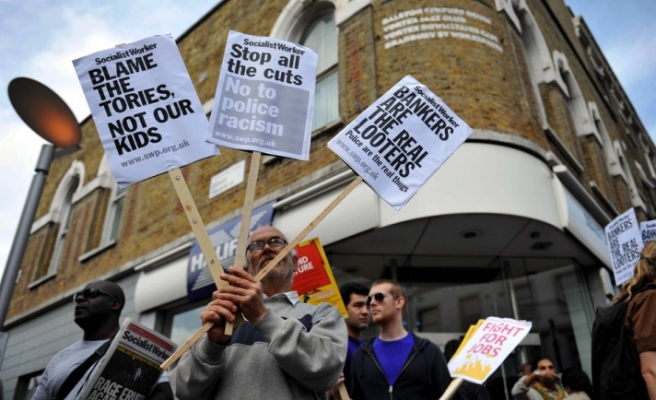 March in North London protests UK police