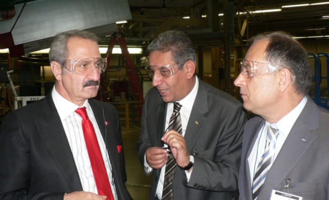 Turkish minister meets members of US chamber of commerce
