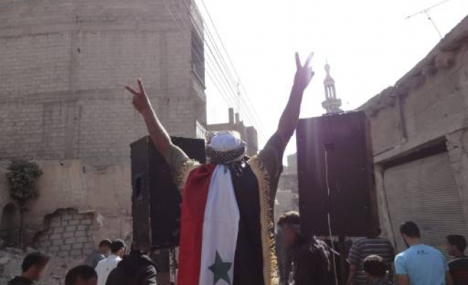 Syrian official resigns in protest