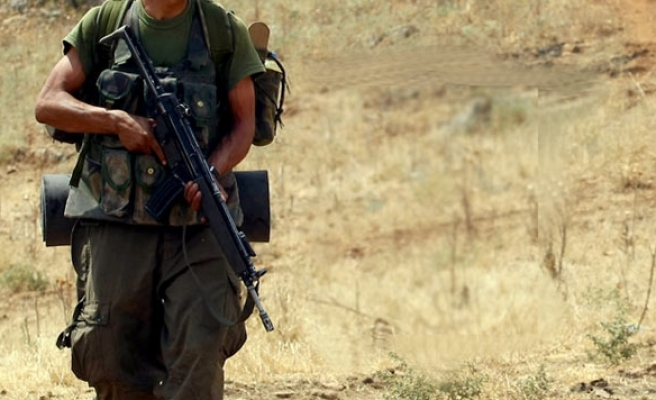 Two Turkish troops killed in PKK clash