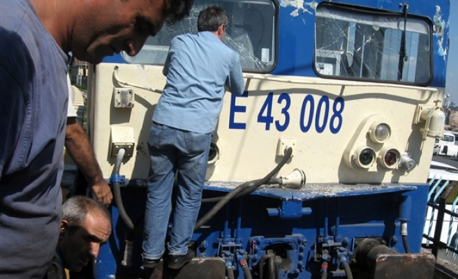 Five passengers injured in Istanbul train accident