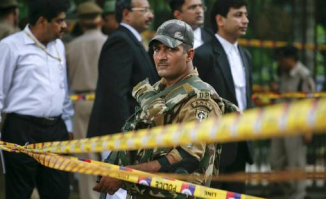 Deadly blast outside India high court