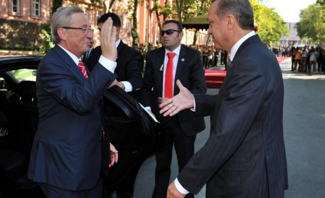 After 9 years, Turkey's Erdogan makes same gesture to Luxembourg's PM