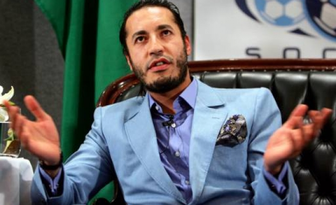 Gaddafi son Saadi flees to Niger