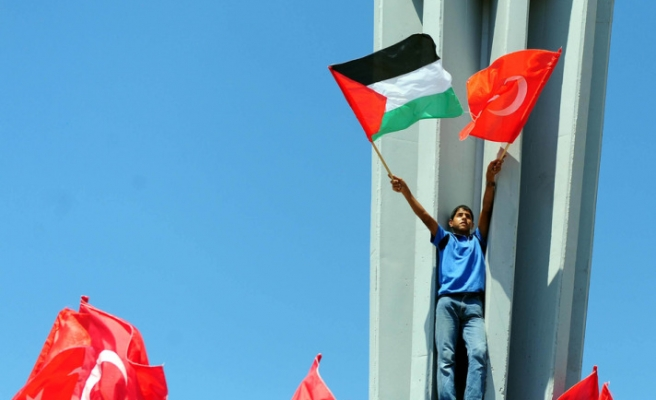 Turkey vows to bolster trade ties with Palestinians
