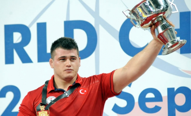 Turkish wrestler  wins gold, bronze medals in world championship
