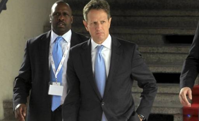 Geithner presses EU to leverage bailout fund