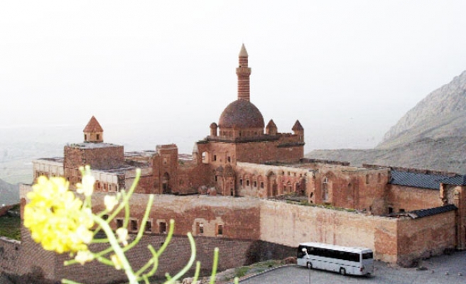 Ishak Pasha Palace restoration to see completion in 2013 in Turkey