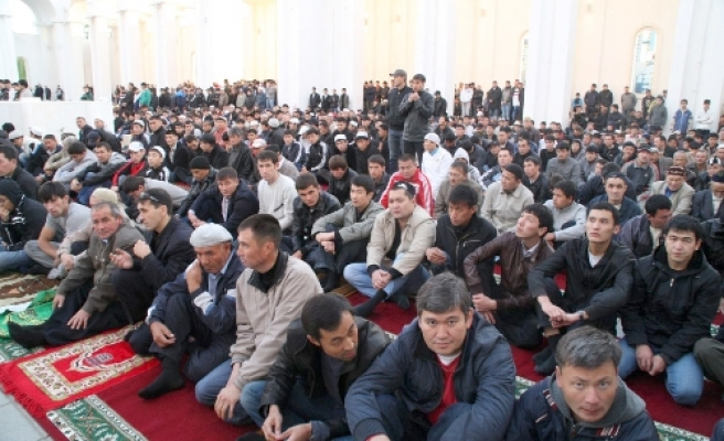 Kazakhstan bans prayer rooms in all state buildings