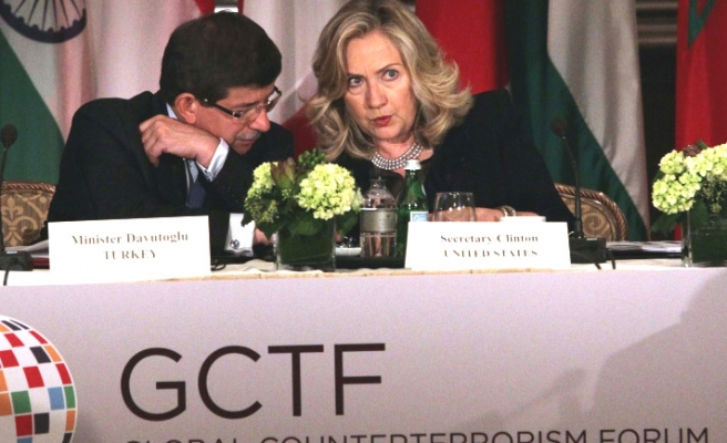 Davutoglu, Clinton launch 'Global Counter-terrorism Forum'