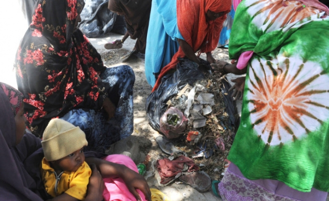 Somali women join Turkish 'trash collection project'