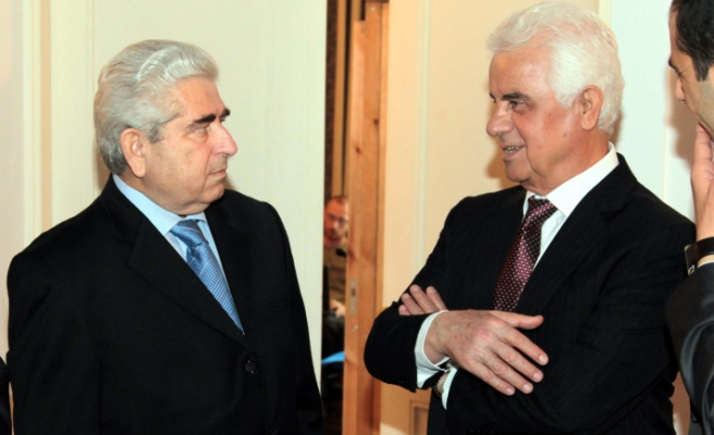 Cypriot leaders skip gas row in reunification talks