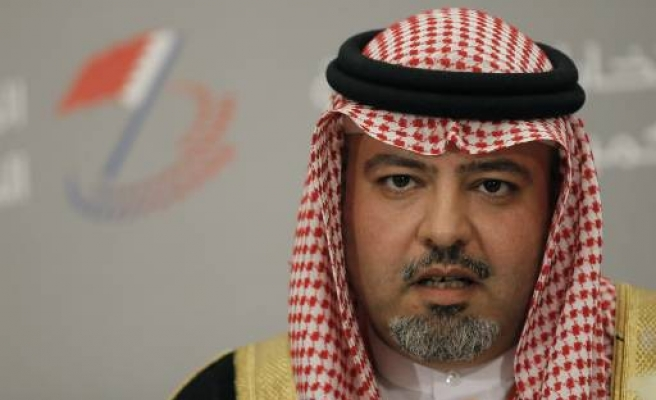 Bahrain court jails six for insulting king on Twitter