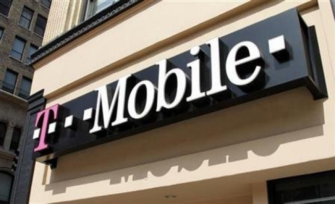 T-Mobile lines up against Apple in Samsung lawsuit