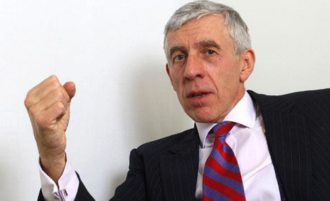 Ex-UK FM Jack Straw urges acceptance of Cyprus division