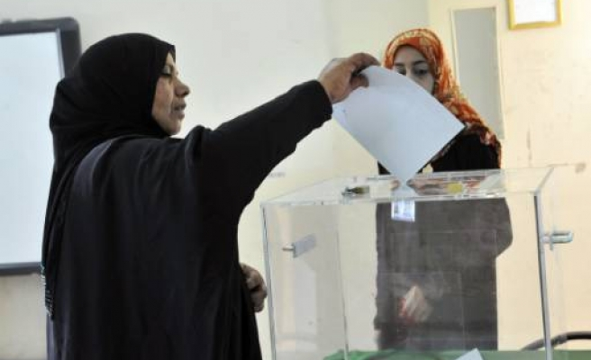 Omanis vote in municipal elections