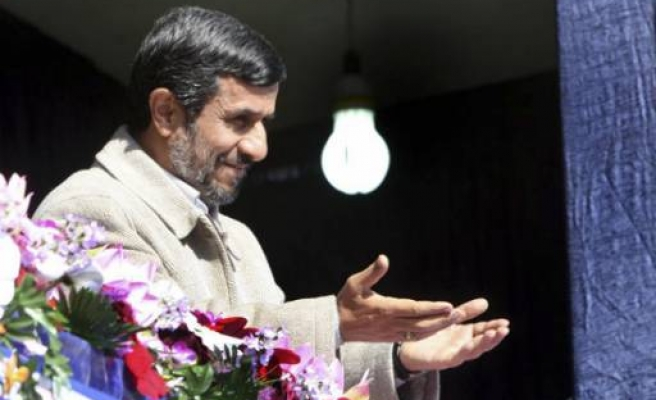 Pro-Ahmadinejad prosecutor barred from office in Iran