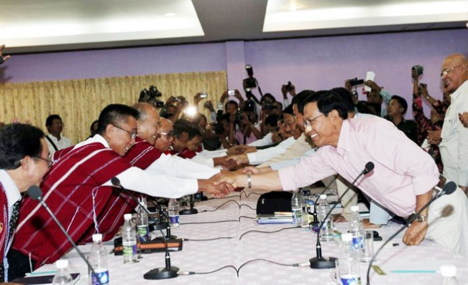 Myanmar to hold talks in China with Kachin rebels