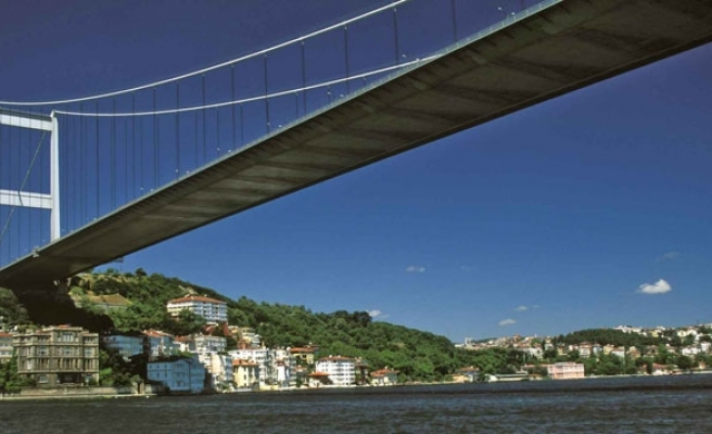 Privatization of Turkish bridges and highways tender cancelled