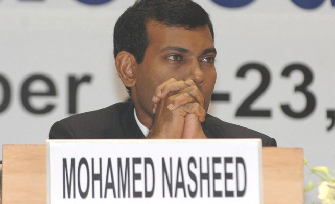 Yameen beats favourite Nasheed in Maldives vote
