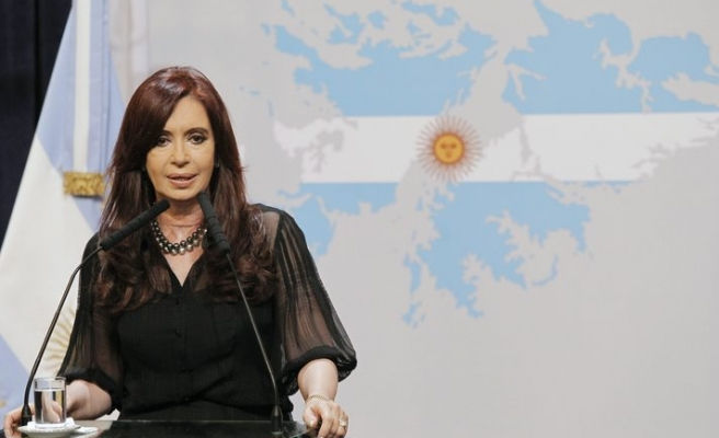 Argentina roots out tax evaders by monitoring travels