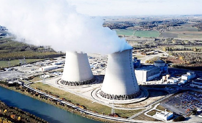 Russia agrees with India to construct 12 nuclear reactors