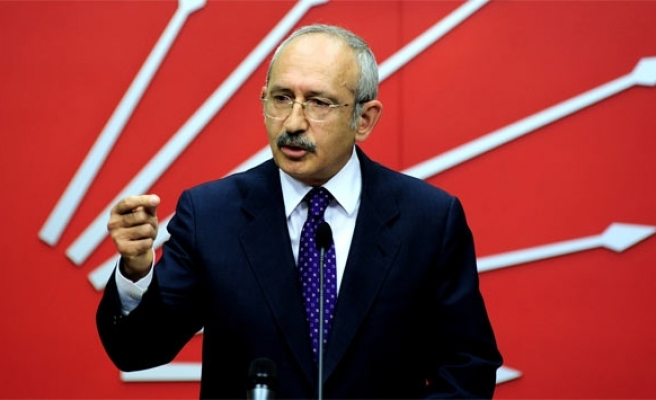Turkey's main opposition leader due to UK