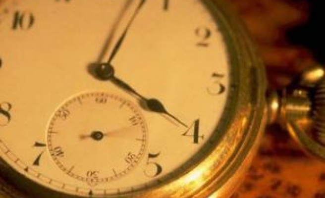 Summer time ends, clocks to go back one hour