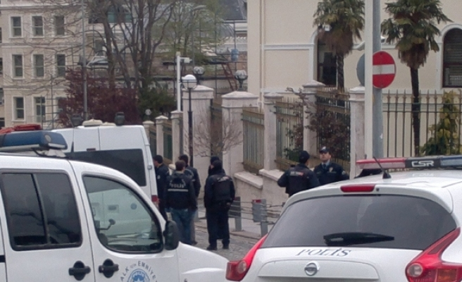 One bomb explodes, police detonate two others in Istanbul