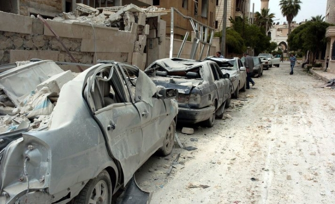 Assad replaces provincial governors in conflict zones