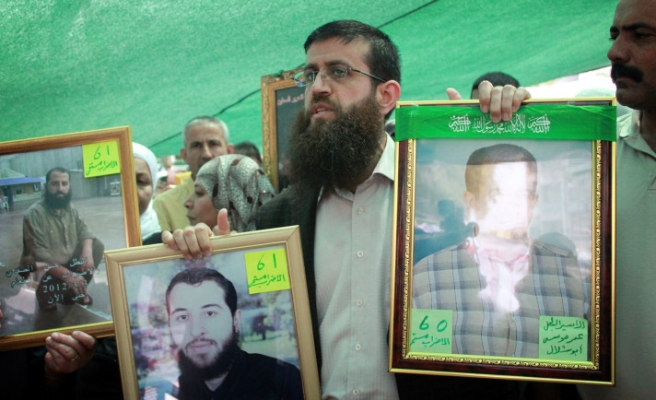 Hamas rallies in W. Bank for Palestinian prisoners