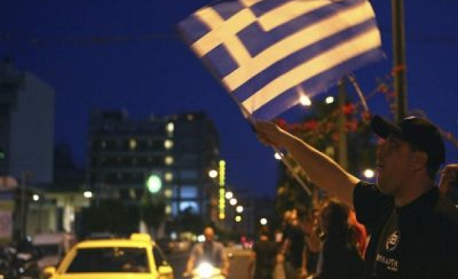 Police block far-right 'Greeks only' food handout in Athens