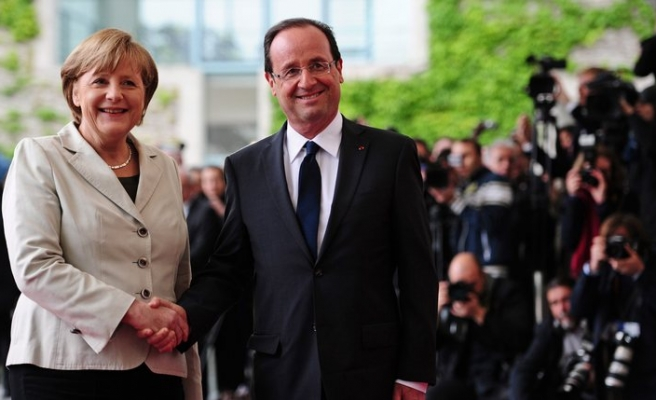 Merkel, Hollande to offer Greece little comfort