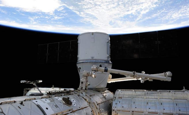 SpaceX blasts off cargo using recycled spaceship