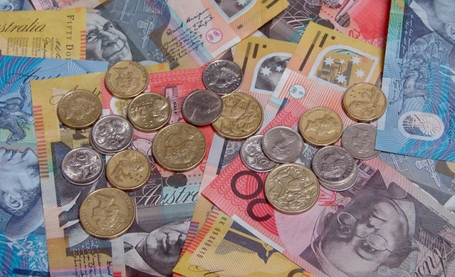 Australia, China to hold 2013 talks on currency conversion